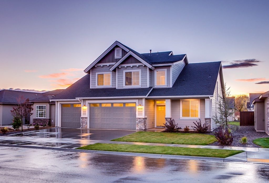 Paying Cash for a House – Pros and Cons